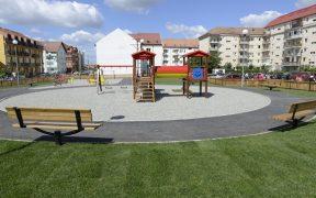 Primăria pregăteşte achiziţia de echipamente pentru locuri de joacă din Sibiu