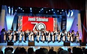 Maraton folcloric la aniversarea de 70 de ani a Junilor Sibiului