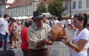 Târgul Olarilor a făcut senzaţie în Piaţa Mare
