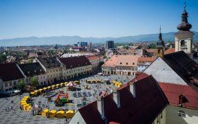 La Târgul de Paști din Sibiu oricine își poate face propriile lumânări