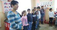 Ghiozdane și rechizite pentru copiii din satul Coveș