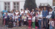 Rechizite pentru copii, oferite la Biserica Azilului din Sibiu