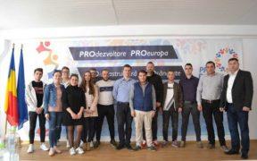 A fost prezentată lista candidaților Pro România