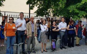 Dan Barna, Nicu Ștefănuță și Diana Mureșan la protestul #Vă vedem din Sibiu