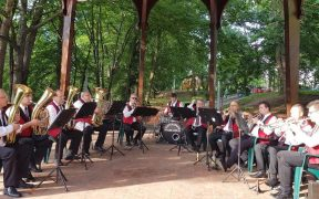 Marțea și vinerea cântă fanfara în parcul Sub Arini