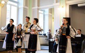 """Muzică, dans și expoziții într-o nouă ediție a Festivalului """"Obiceiuri și tradiții"""""""