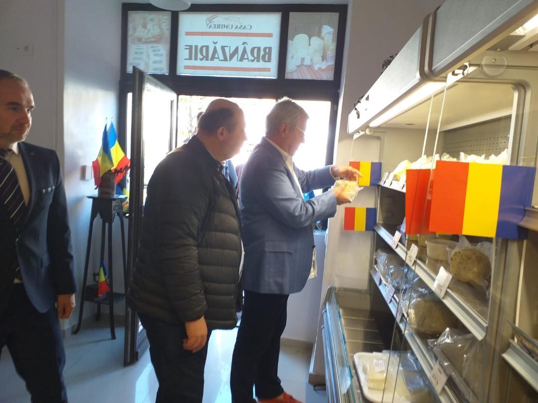 Călin Popescu Tăriceanu client al brânzăriei din Sibiu