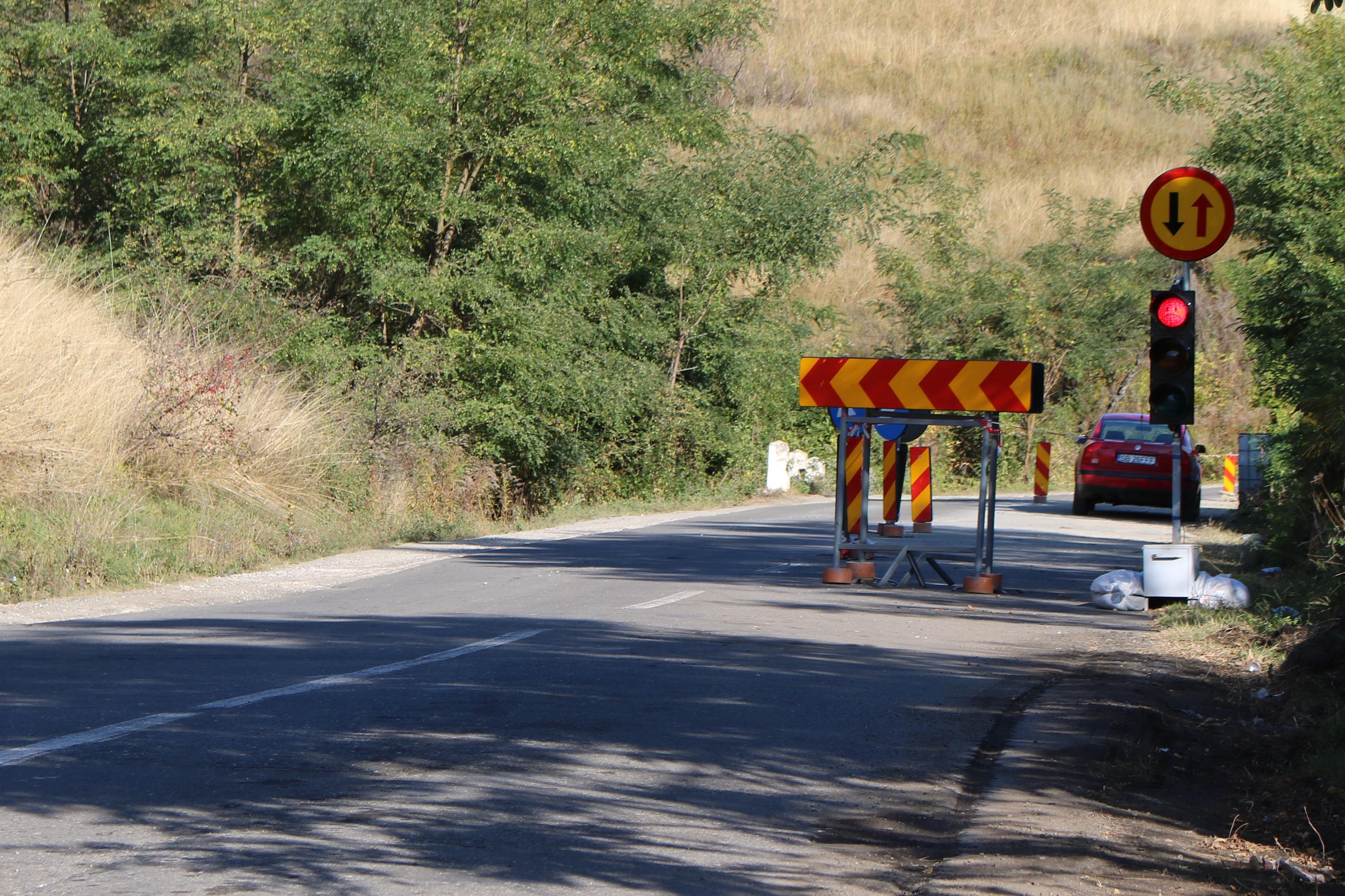 Au furat bateriile semafoarelor de pe drumul în lucru DJ 141 Mediaș-Bârghiș