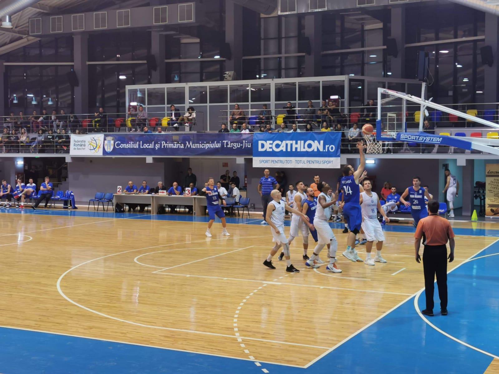 Baschetbaliștii CSM Mediaș au dominat terenul echipei CSM Tg Jiu, scor final 98-80
