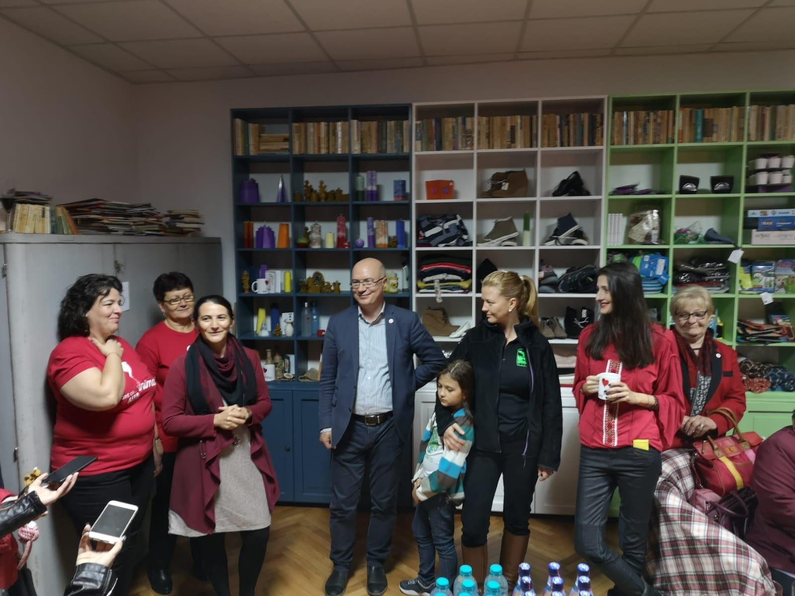 Patru ONG-uri din Sibiu și-au unit forțele și au creat Magazinul de Fapte Bune