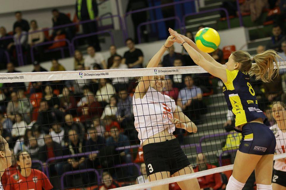 De 4 ori campioană a României, Volei Alba Blaj a câștigat din nou la Sibiu