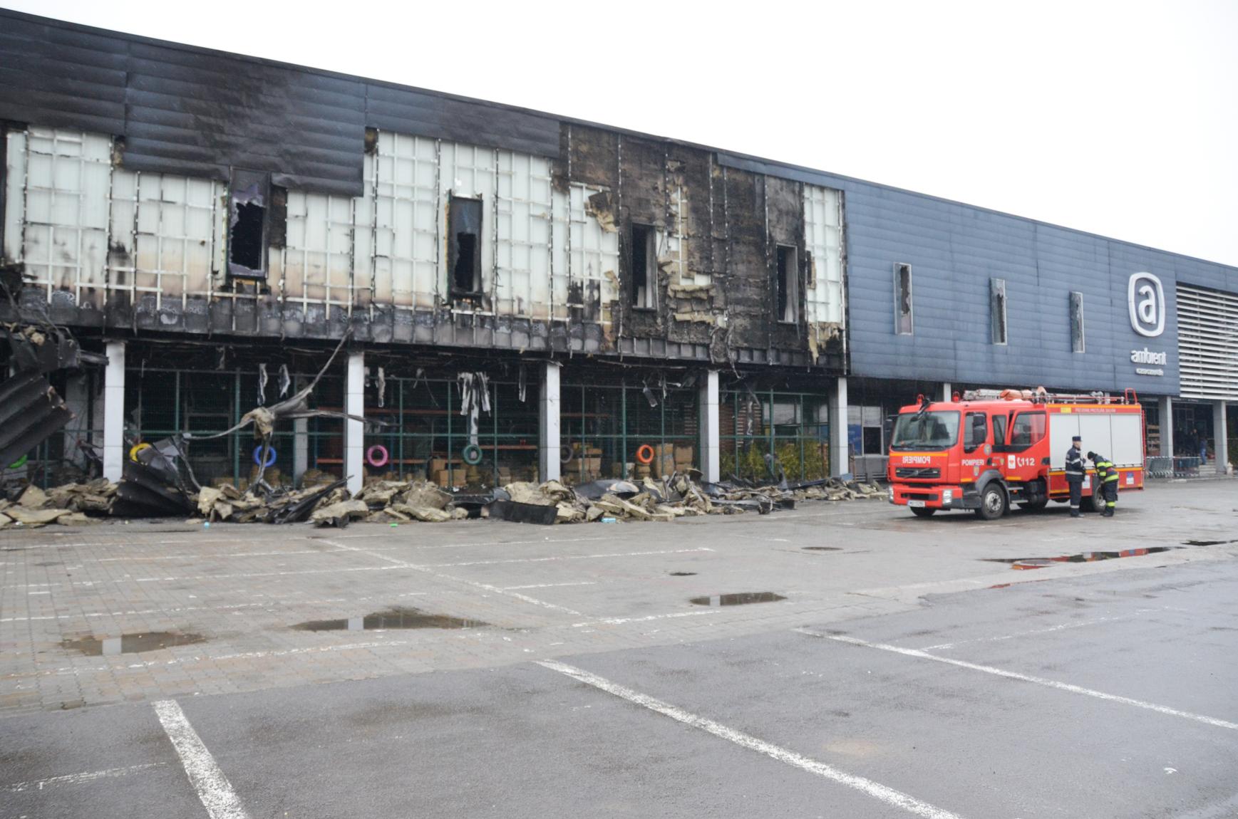 Magazinul AMBIENT cuprins de flăcări va fi renovat în cel mai scurt timp