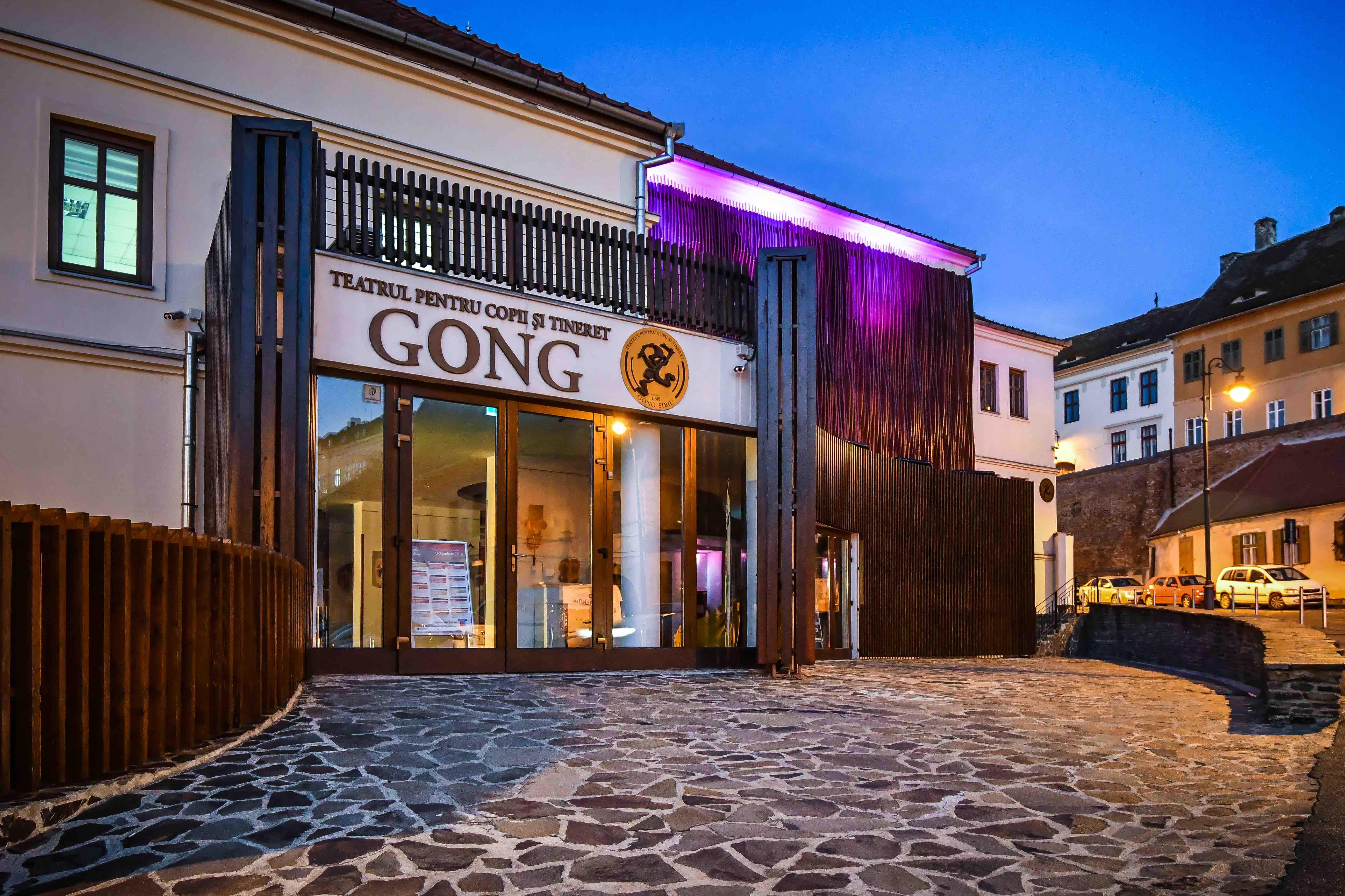 Teatrul Gong anunță reluarea spectacolelor cu publicul