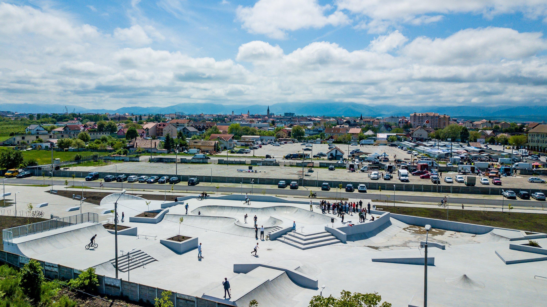 Tinerii se pot bucura din nou de skate park-ul din Sibiu