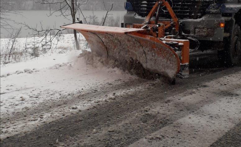 Acțiuni de deszăpezire pe drumurile din județul Sibiu