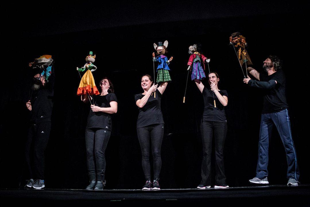 Teatrul Gong te invită online la spectacolul Muzicanţii din Bremen