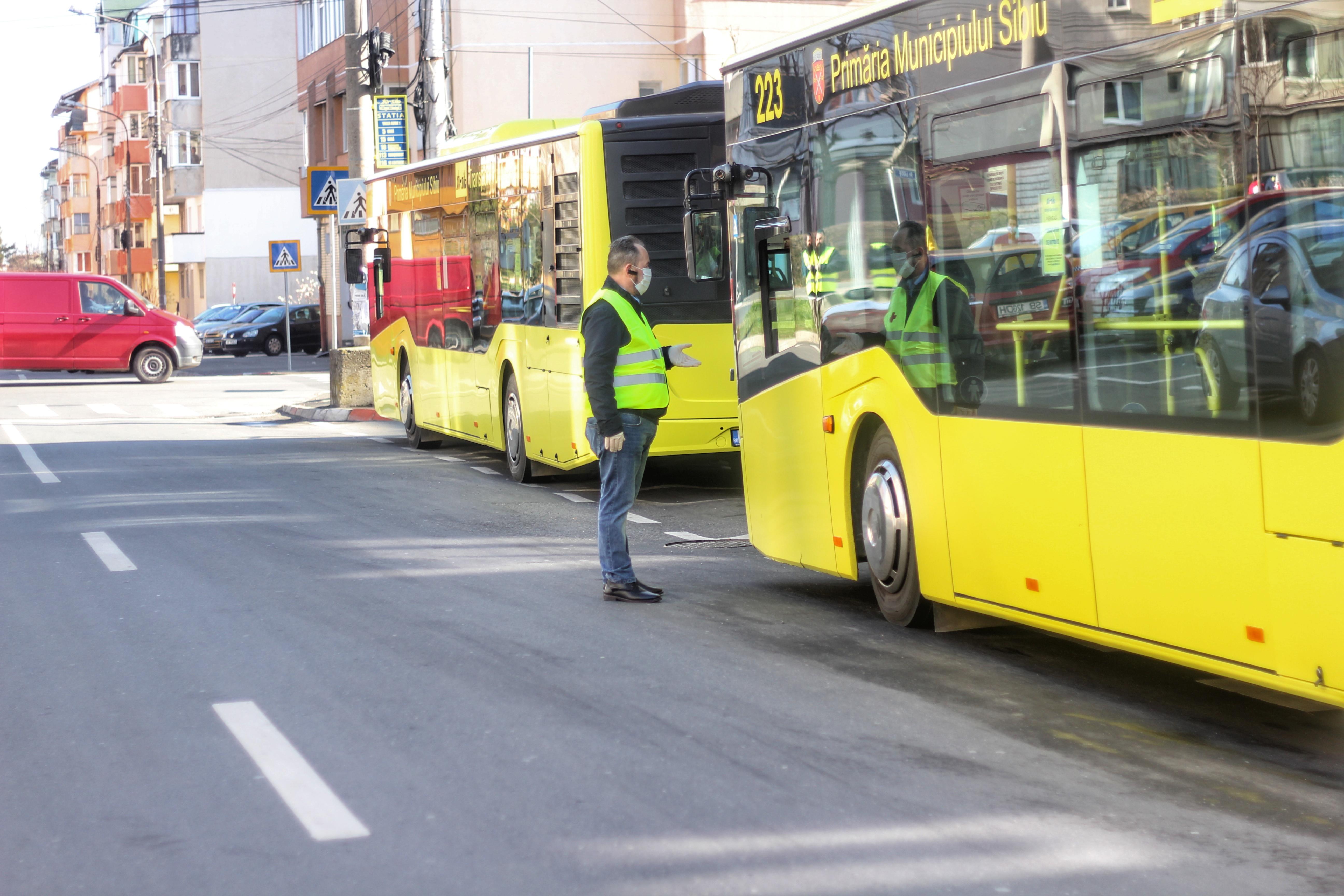 Elevii sibieni vor putea circula gratuit cu autobuzele Tursib