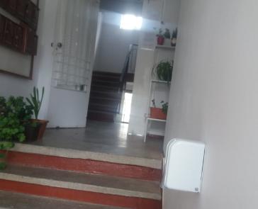 Primăria Sibiu a montat primele dezinfectante în scările blocurilor