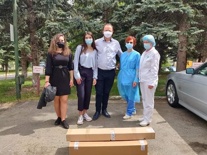 Două lămpi sterile cu raze UV în valoare de 5085 RON, donate spitalelor din Sibiu