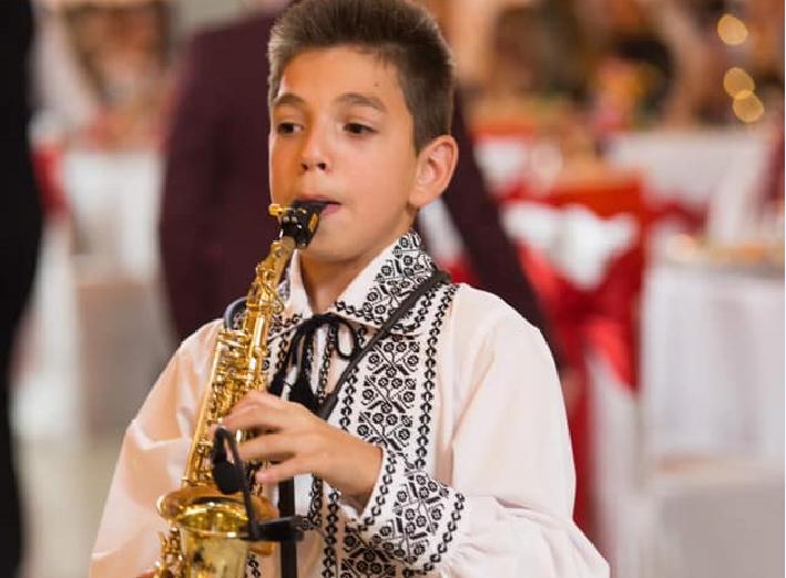 VIDEO | Iliuță de la Jina concurează pentru trofeul Vis muzical