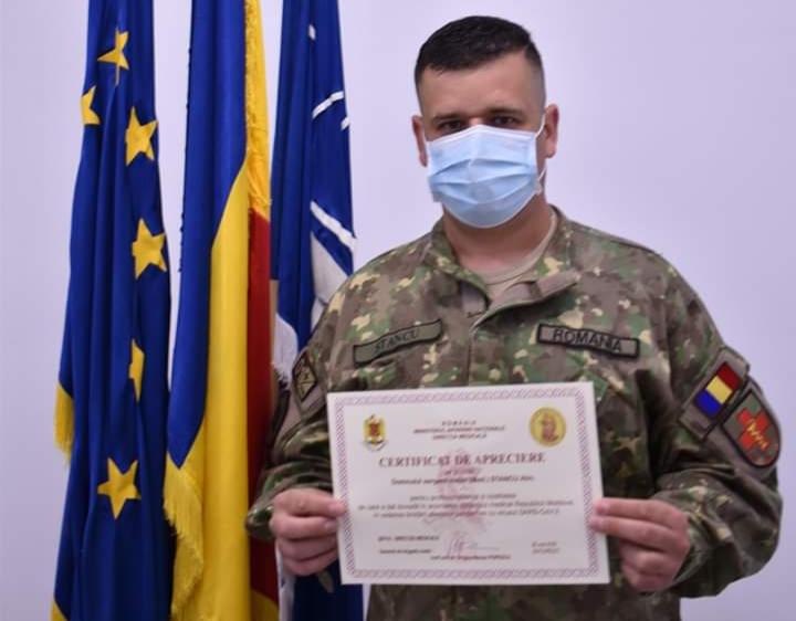 Sergentul major Alin Stancu, decorat de Ministrul Apărării din Republica Moldova