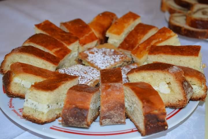 La Rășinari, când spui Rusalii, spui Vărzar, plăcinta specifică acestei mari sărbători