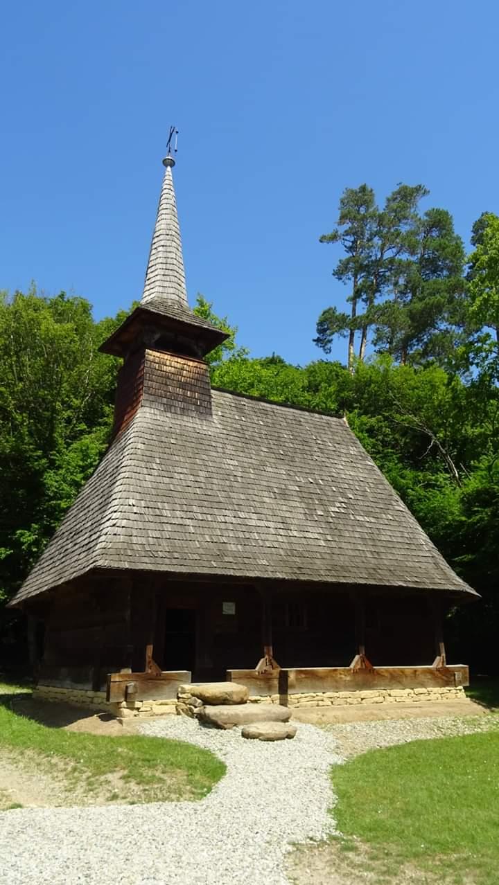 """Hramul bisericii din Dretea, """"Pogorârea Duhului Sfânt"""", cel mai vechi monument din Muzeul Astra"""