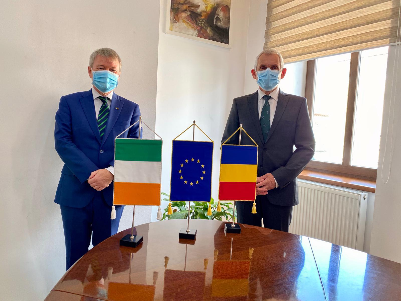 Prefectul Sibiului: Paul McGarry, ambasadorul Irlandei în România, a rămas impresionat de Sibiu