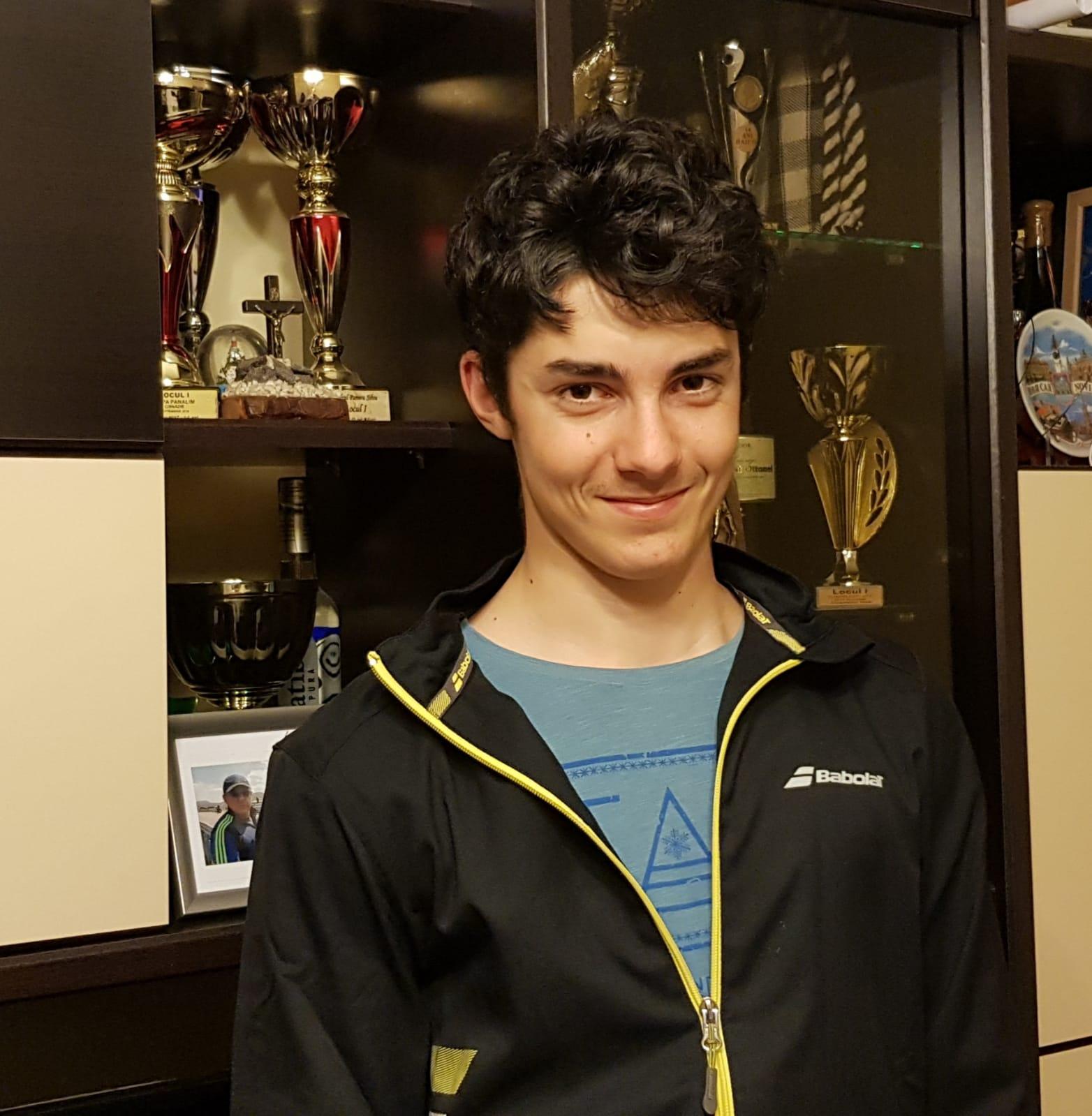Alexandru Stupar, tenismenul sibian în vârstă de 17 ani, are un palmares sportiv de invidiat
