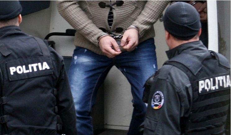 Sibian, cercetat penal și reținut pentru furturi din locuință