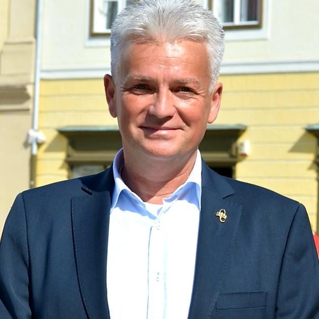Cine este Gabriel Tischer? Candidatul FDGR pentru Consiliul Județean Sibiu