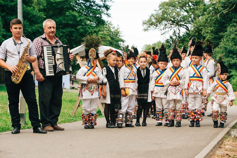 ASTRA Multicultural 2020îți face o duminică specială prin dansuri tradiționale croate și românești