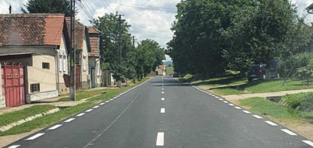 Un nou covor asfaltic pe tronsonul care face legătura între DN 1 și Apoldu de Jos