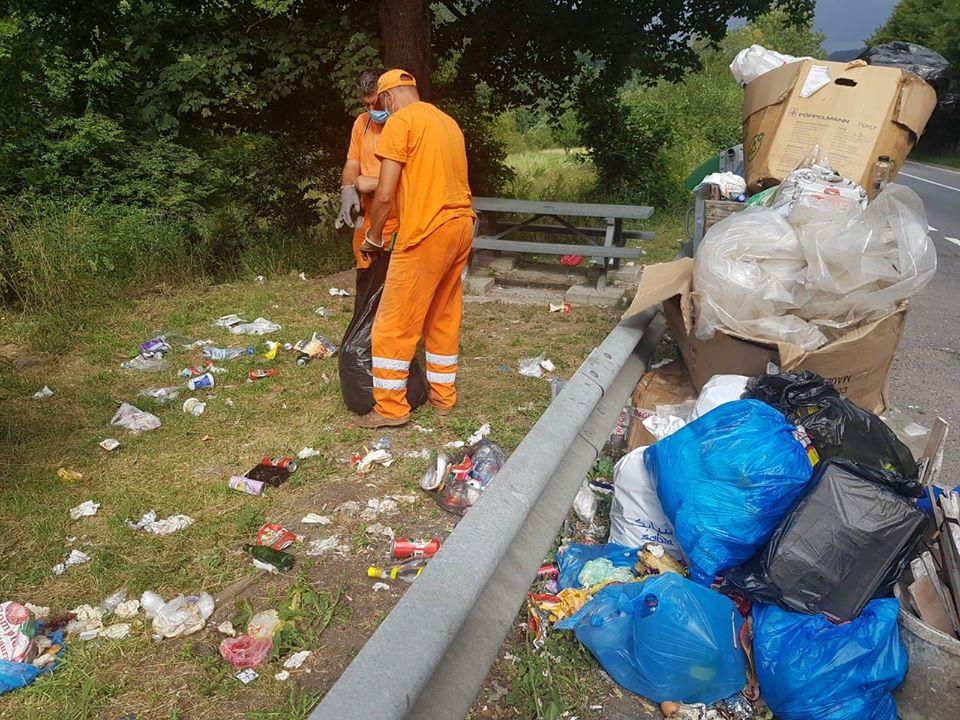 FOTO - Dacă e luni este zi de curățenie pe drumurile naționale