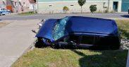 Un autoturism a intrat într-un cap de pod în localitatea Ruși
