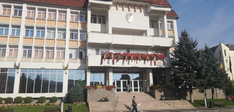 Primăria Mediaș investește peste 23 milioane de lei pentru reabitarea unei școli și a străzilor din centrul istoric