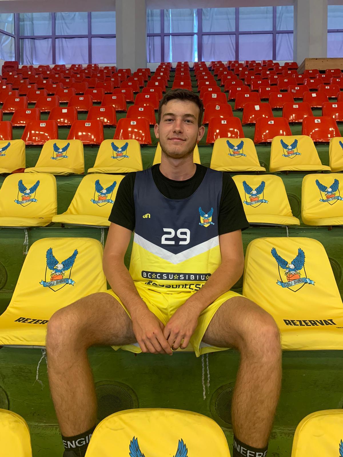 Trei dintre juniorii cooptați în echipa de seniori a lui CSU Sibiu vor juca la Turneul Național U18 Masculin