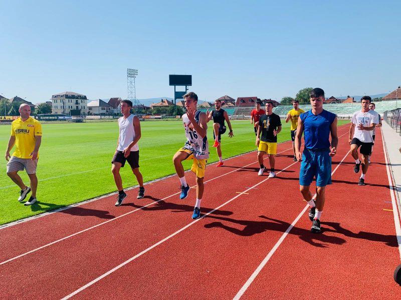 Patru juniori ai BC CSU Sibiu, în pregătire alături de seniori