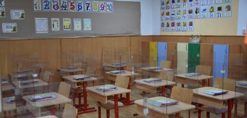 Școlile și grădinițele rămân închise până pe 11 ianuarie 2021