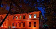 Clădirea Spitalului de Pneumoftiziologie Sibiu a fost iluminată în portocaliu în această seară