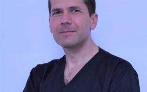 """Radu-Ioan Neacșu- unul dintre cei mai apreciaţi medici din cadrul Spitalului Militar de Urgență """"Dr. Alexandru Augustin"""" Sibiu"""