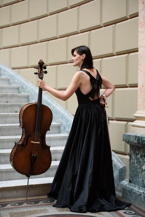 Mezzosoprana Antonela Bârnat și violoncelista Andreea Țimiraș deschid prima ediție a Festivalului Minunata Muzică Nouă – Brave New Music la Sibiu