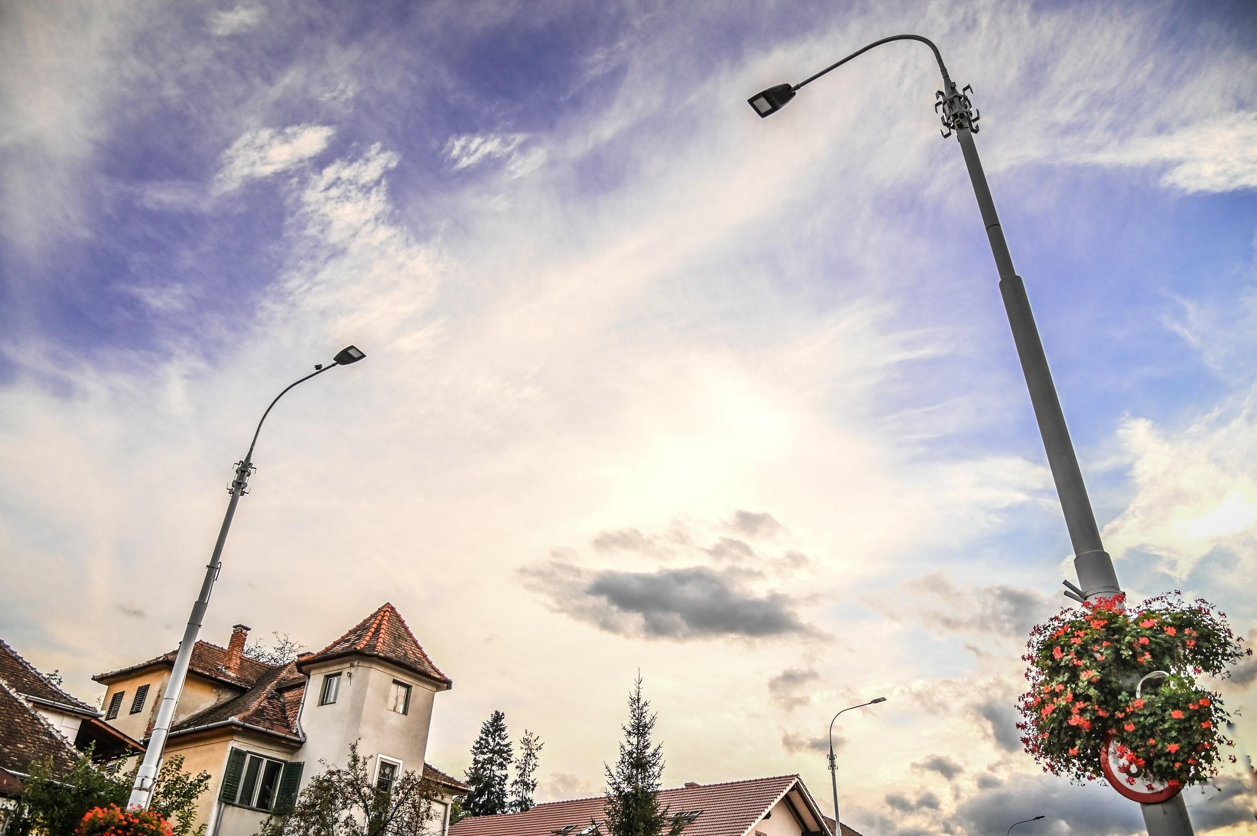 FOTO- Patru bulevarde din Sibiu au iluminat nou, cu LED