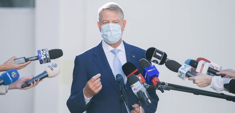 Klaus Iohannis: Vaccinarea întregii populații va începe cel mai devreme în primăvară