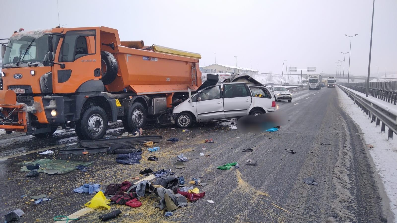 Accident mortal pe A 1 produs între un autoturism și o autoutilitară de deszăpezire
