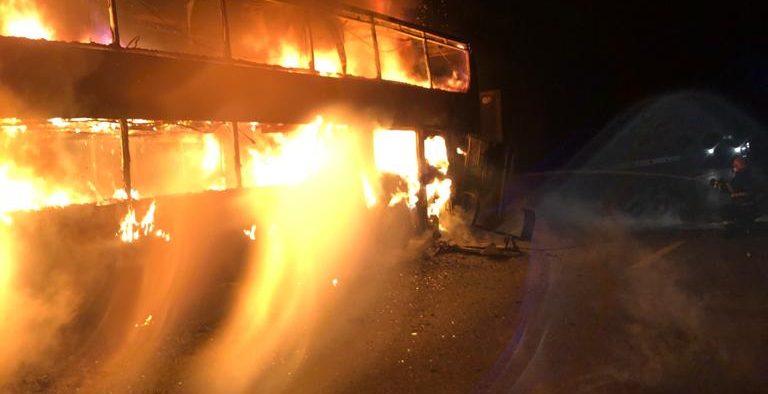 Video- Foto Incendiu izbucnit la un autocar ce transporta aproximativ 44 de pasageri