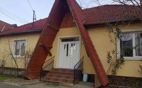 Tribunalul romilor a fost scos de la vânzare