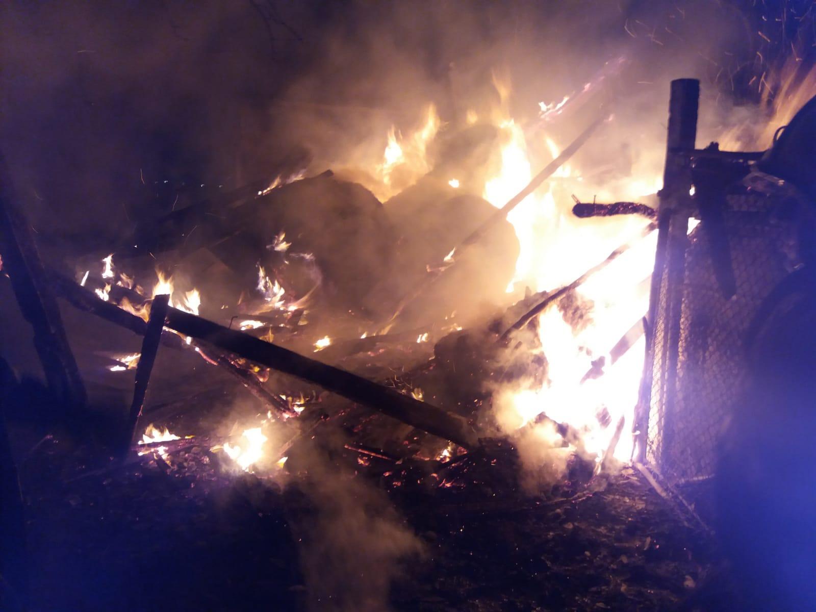 Pompierii militari ai Stației Agnita, solicitați pentru stingerea unui incendiu