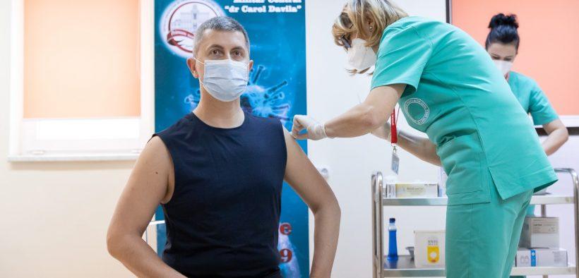 Dan Barna: Vaccinul este șansa noastră să revenim la normalitate