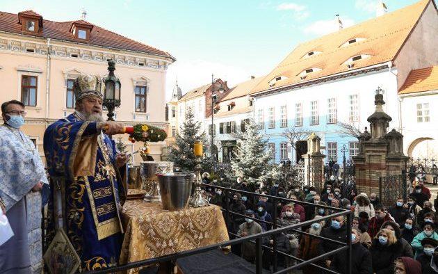 FOTO- Praznicul Bobotezei a fost sărbătorit anul acesta la Sibiu în condiţii speciale